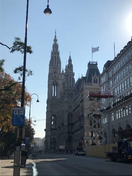 歴史の深い王宮や美術館